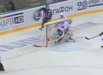 Muere un árbitro de hockey al impactarle un disco